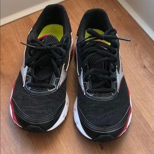 Mizuno running shoes